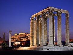 12_The-Temple-of-Olympian-Zeus-(considered-one-of-the-biggest-of-the-ancient-world)-in-the-blue-hour,-with-Acropolis-in-the-background