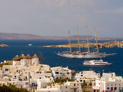 24_Mykonos-View-to-Mykonos-bay-with-four-master-vessel