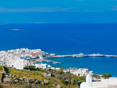 27_Overlooking-Mykonos-Town-(Hora)-on-the-island-of-Mykonos-towards-the-wharfs-of-the-docking-area
