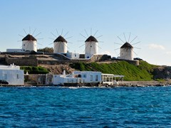 32_The-five-windmills-of-Mykonos---Greece
