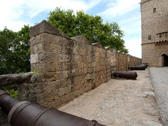 30_Big-cannons-in-castle-of-st-John-knights-at-Rhodes-island-in-Greece