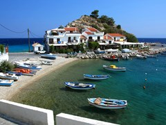 12_Traditional-greek-village-with-fishing-boats---Samos