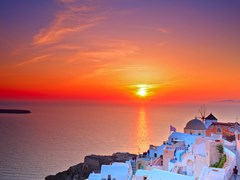 29_Sunset-in-Oia-village-on-Santorini-island,-Greece