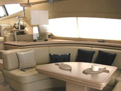Istion-Yachting-Ferretti550-fb