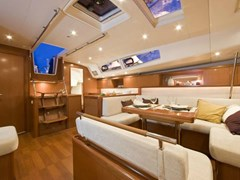 Istion_Yachting_Oceanis_54-l.jpg