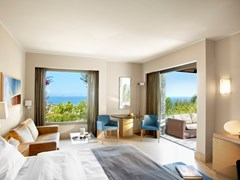 One-Bedroom Suite Sea View or with Private Pool