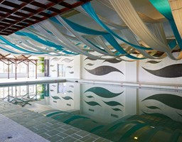 Bomo Athos Palace Hotel: Indoor Pool