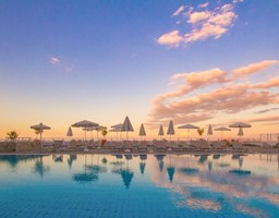 Bomo Peninsula Resort & Spa : Main Pool