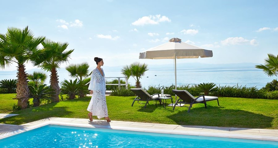 Grecotel Mandola Rosa: Royal Pavilion Indoor and Outdoor Pool