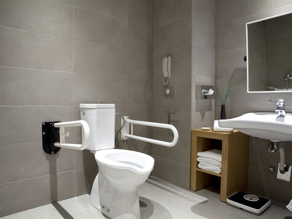 Lazart Hotel  5* Bathroom for disabled- 45