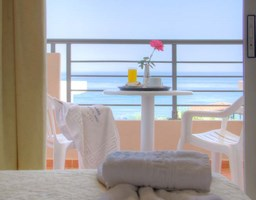 Bomo Krini Beach: Superior Triple Room