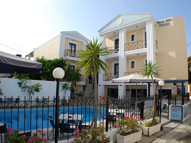 Renia Apartments
