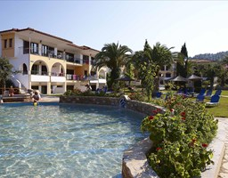 Bomo Chrousso Village Hotel: Main Pool