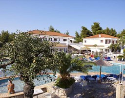 Bomo Chrousso Village Hotel