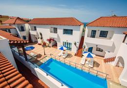 Iliana Apartments & Hotel